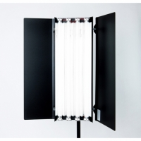 Reddevil RDL 4x600 S люминесцентный осветитель со световой температурой 3200 К