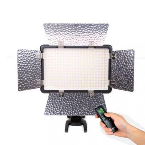 Godox LED308C II накамерный осветитель светодиодный
