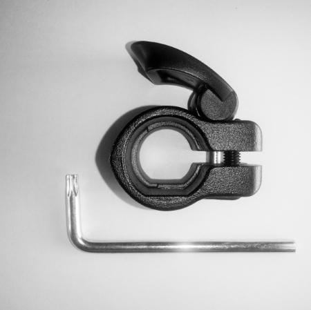 Manfrotto R150,13 хомут с клипсой для штативов 290 серии (19 мм) запчасть