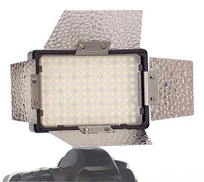 Falcon Eyes LED-140 светодиодный осветитель