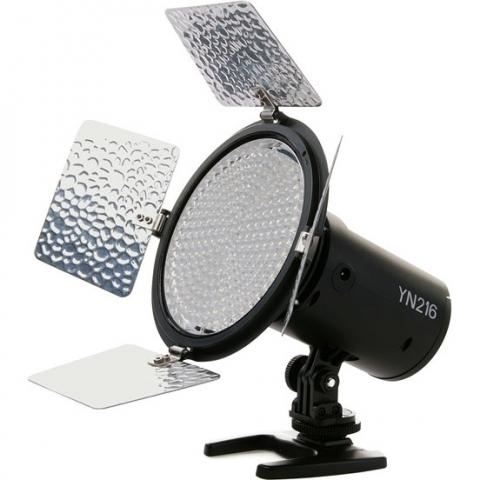 Yongnuo YN-216 осветитель светодиодный на 216 светодиодов для фото и видеокамер