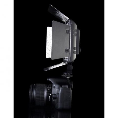 YongNuo LED YN-300III осветитель светодиодный