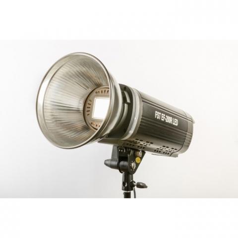 FST EF-200R (LED) Sun Light 5500К светодиодный осветитель