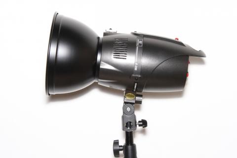 FST E-250 импульсная студийная вспышка с рефлектором